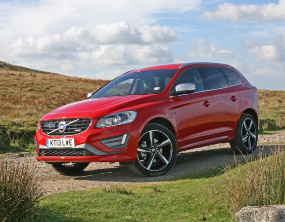 The-new-Volvo-XC60-in-Passion-Red